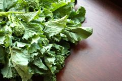 growing-broccoli-tasty-nutritious-leaves